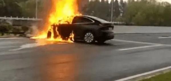 国产蔚来电动汽车被曝发生多起事故插图1